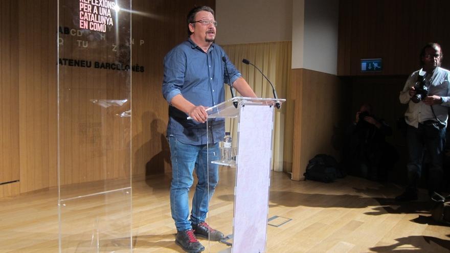 """Domènech proyecta el nuevo partido de Colau como soberanista y """"no subordinado"""" al PDECAT"""