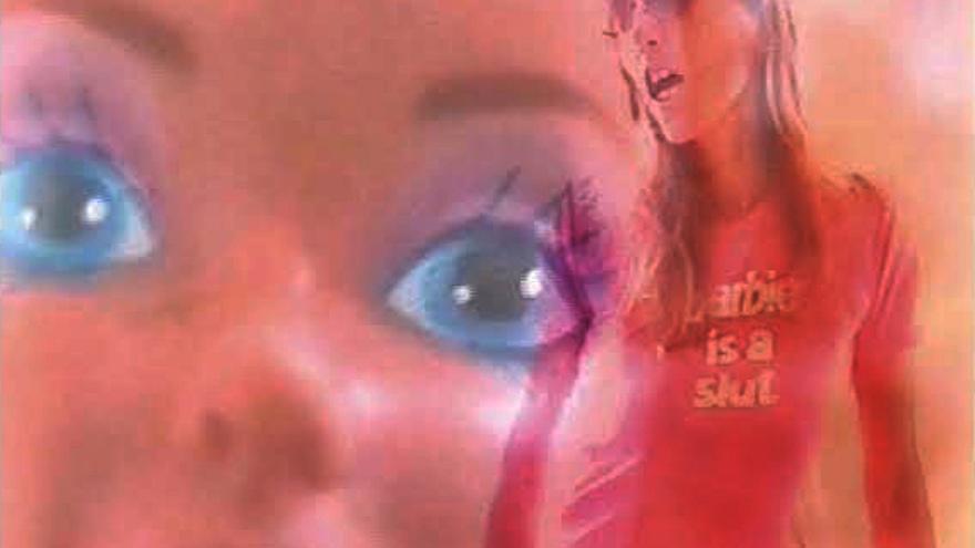 Fotograma de vídeo de 'Barbie London: Trouble in Space' (2001)