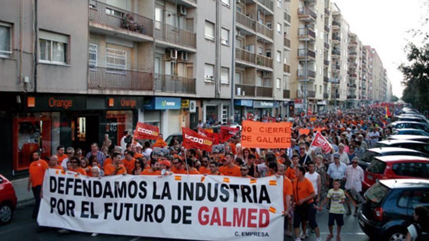 Miles de personas salieron a la calle en Sagunto para exigir la continuidad de Galmed
