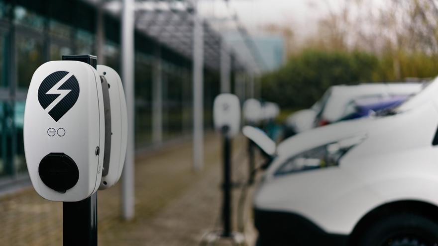 La guerra comercial entre EE.UU. y China podría afectar a la producción del coche eléctrico.