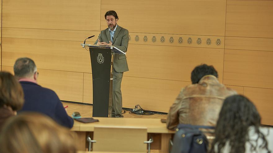 Carlos Alonso, durante la rueda de prensa concedida este miércoles