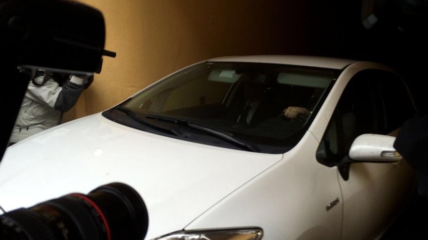 Rus abandona su domicilio de Xàtiva tras más de siete horas de registro
