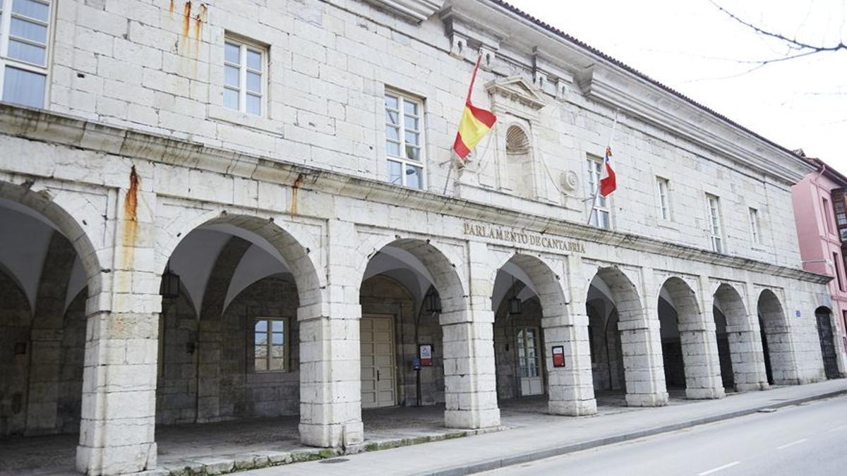Fachada exterior del Parlamento de Cantabria.