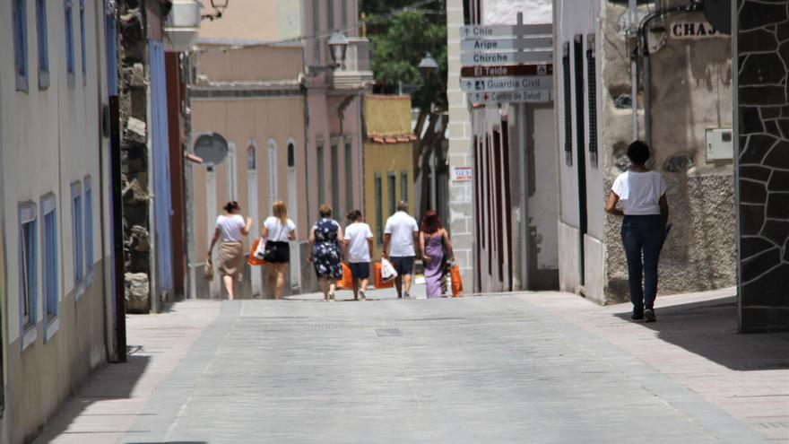 Una de las calles reformadas, ya sin tráfico rodado, en una imagen de la Corporación local