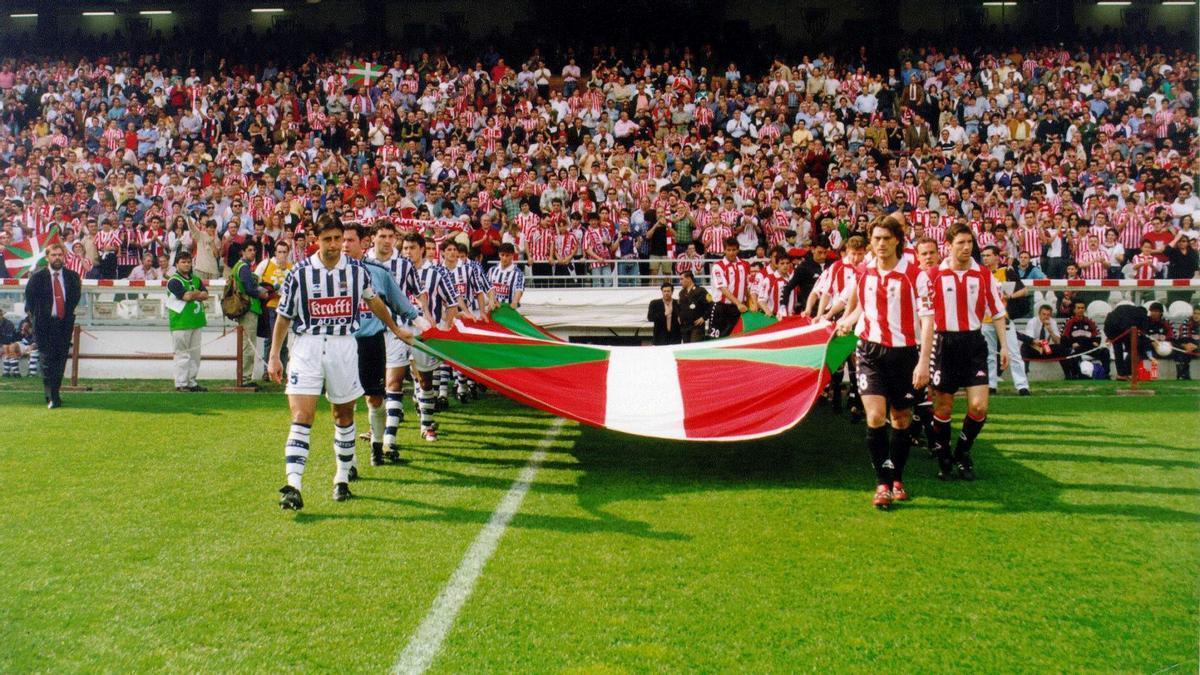 Imagen de un derbi entre Athletic y Real Sociedad