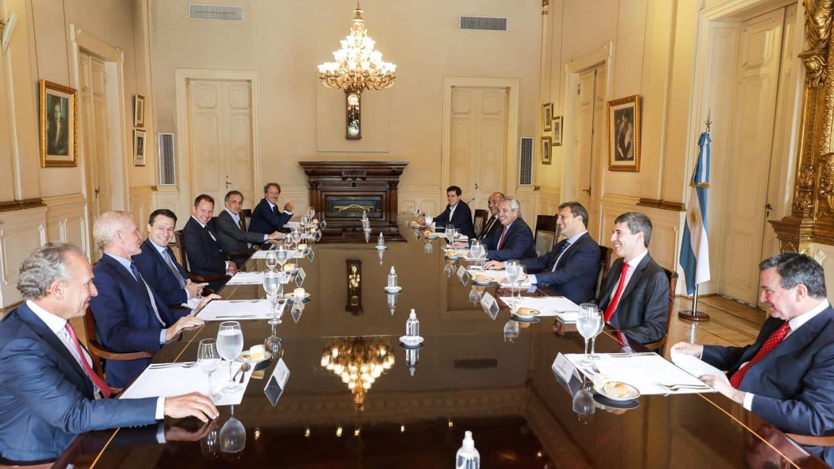El presidente Alberto Fernández encabezó el almuerzo, este martes, con algunos de los empresarios más poderosos del país.