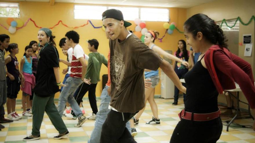 Taller de Hip Hop del programa Carpa Lúdica