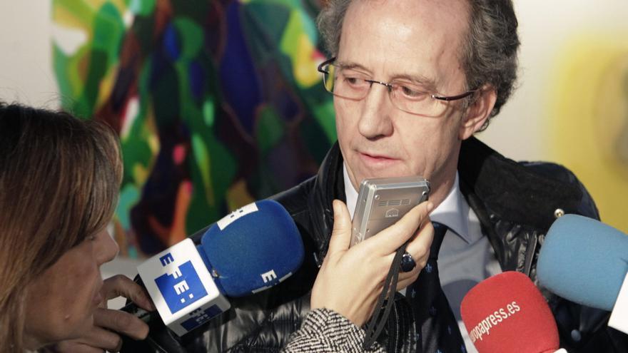 El portavoz de la Fundación Francisco Franco, Jaime Alonso, habla con la prensa en una imagen de archivo