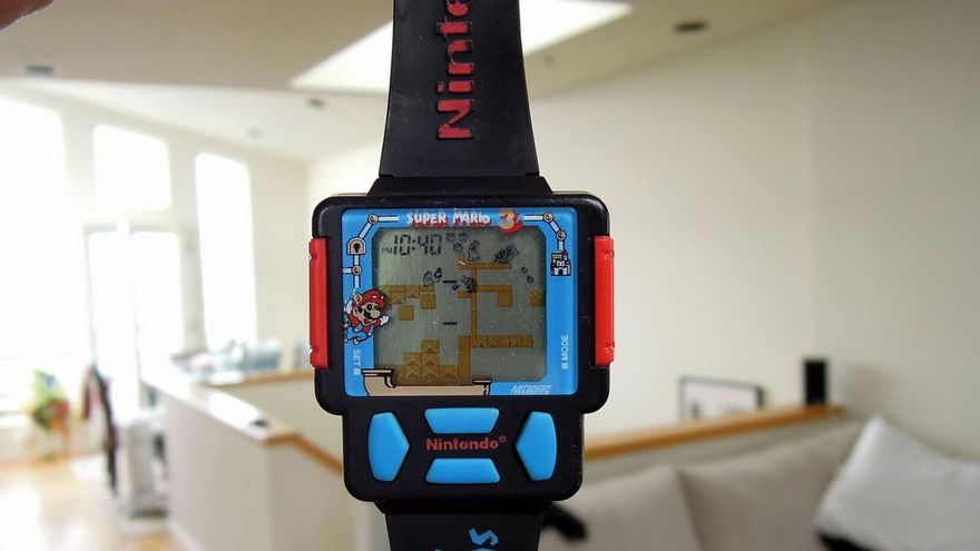Un reloj con el juego 'Super Mario Bros. 3' (Imagen: WatchesDB)