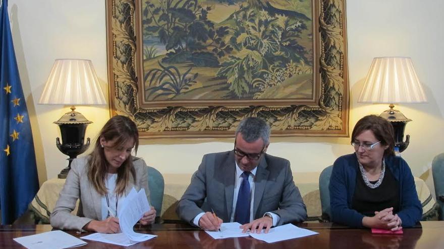 Ainara Irigoyen, Sergio Matos y Guadalupe González Taño.