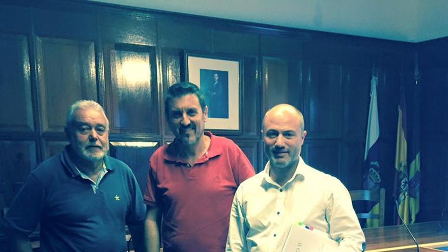 De izquierda a derecha: Argelio Hernández, Martín Taño y Pedro Afonso.