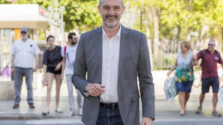Óscar Urralburu, candidato de Podemos a la presidencia de la Comunidad