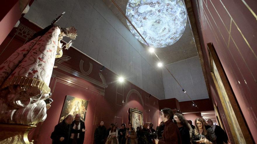 La Mare de Déu dels Desemparats preside la exposición en el Muvim