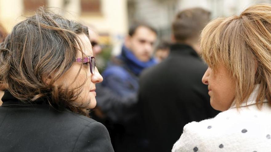 La vicepresidenta valenciana, Mónica Oltra, y la presidenta del PPCV, Isabel Bonig
