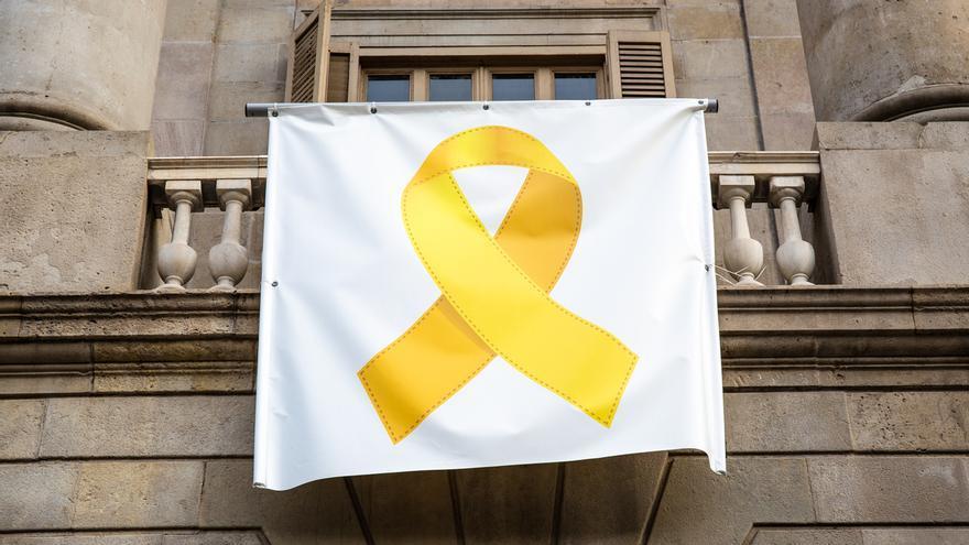 La JEC da 24 horas a Torra para cumplir la retirada de lazos amarillos y, si no, le exigirá responsabilidades