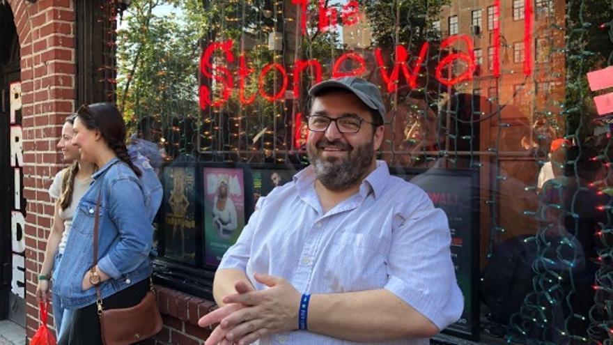 José María Núñez en el Stonewall de Nueva York, en el 50 aniversario de las revueltas que supusieron un punto de inflexión en la lucha por los derechos LGTBI