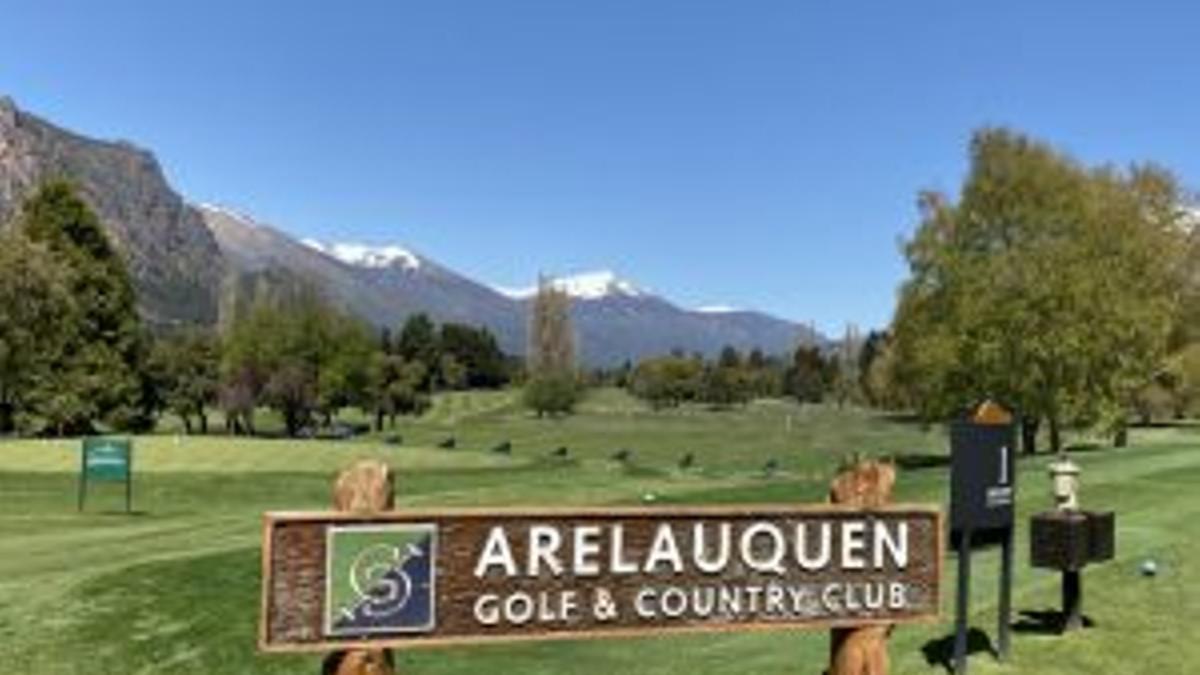 El country Arelauquen está sobre el Lago Gutiérrez en Bariloche.