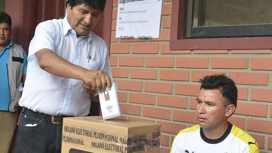 La oposición celebra como un triunfo el No a la reelección de Morales que reflejan los sondeos