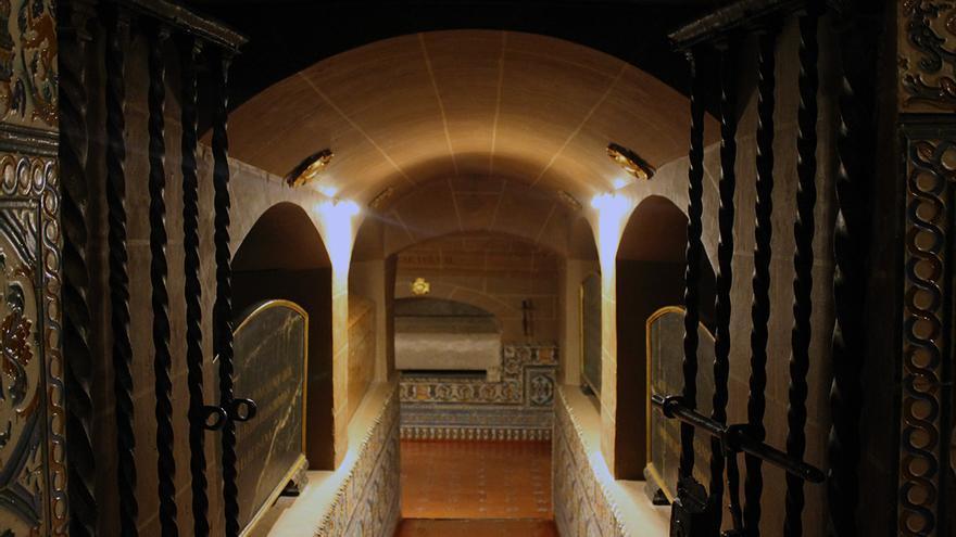 Cripta de la Colegiata con las sepulturas de los duques de Osuna. / Juan Miguel Baquero