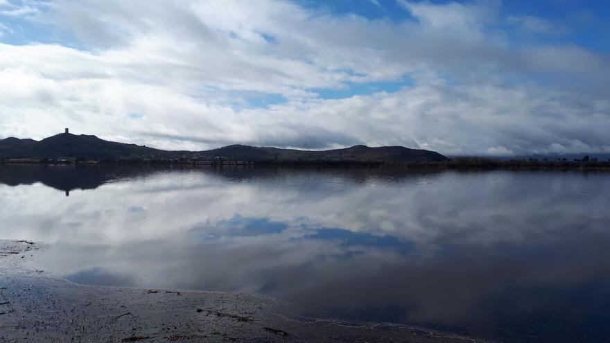 La acumulación de lluvias hace 'revivir' por unos días la laguna de Antela