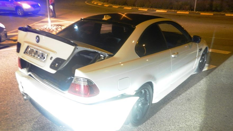 """La Policía Foral disuelve una """"quedada"""" de 200 vehículos tuneados en Tudela"""