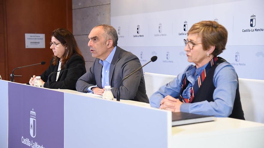 De izquierda a derecha, Regina Leal, Juan Camacho y Mayte Marín