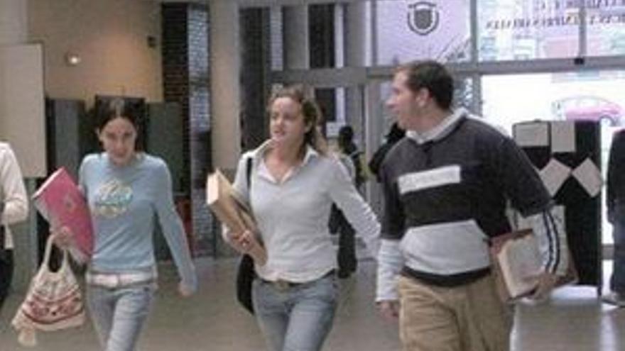 Casi un tercio de universitarios quiere ser funcionario