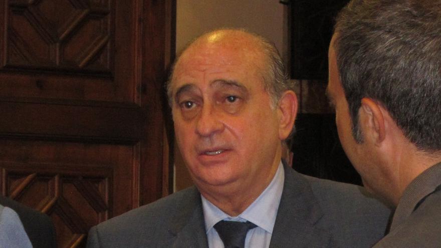 Fernández Díaz celebra la incautación de 6890 kilos de cocaína en julio y agosto, un 270% más que el año pasado