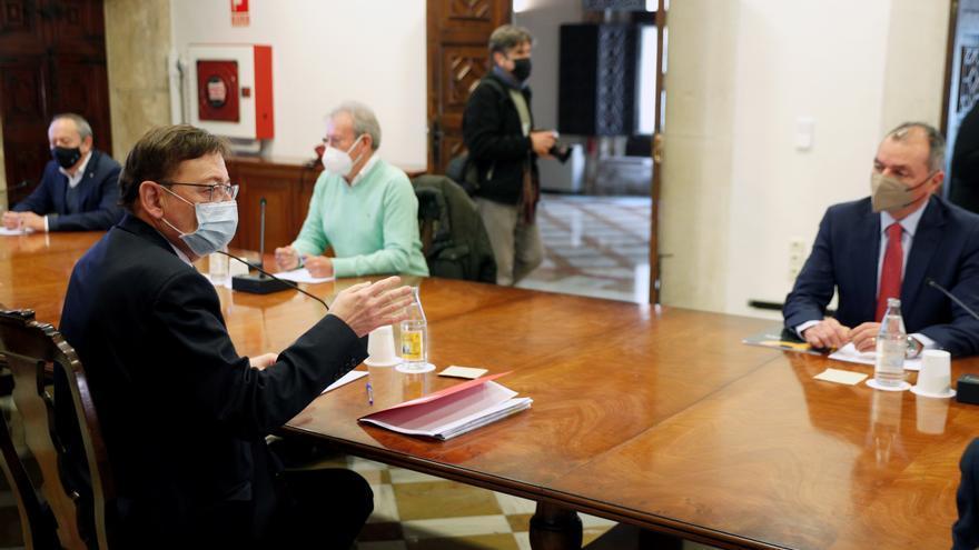 El presidente de la C.Valenciana, Ximo Puig, dice que Ford Almussafes tiene futuro
