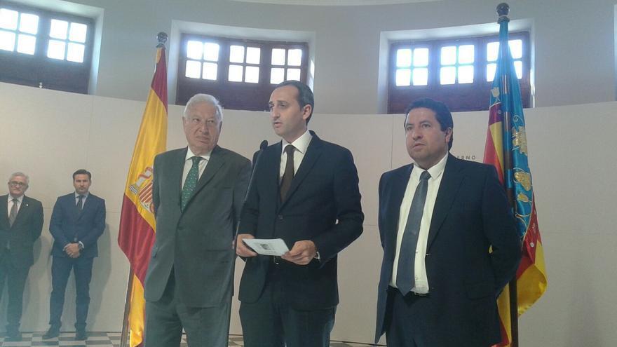 César Sánchez, entre García Margallo y Javier Moliner