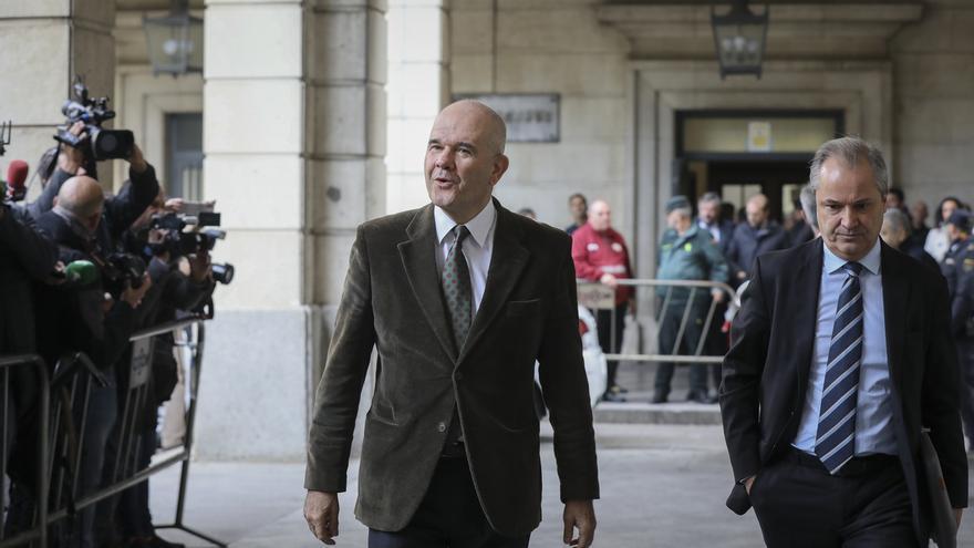 Fiscalía pide que Chaves y Zarrías declaren como investigados por un préstamo de 3,7 millones a una empresa
