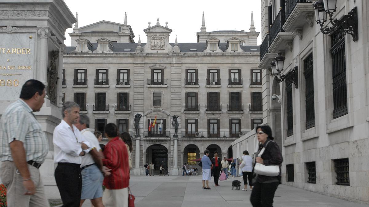 Plaza Velarde, en Santander, conocida popularmente como Plaza Porticada.