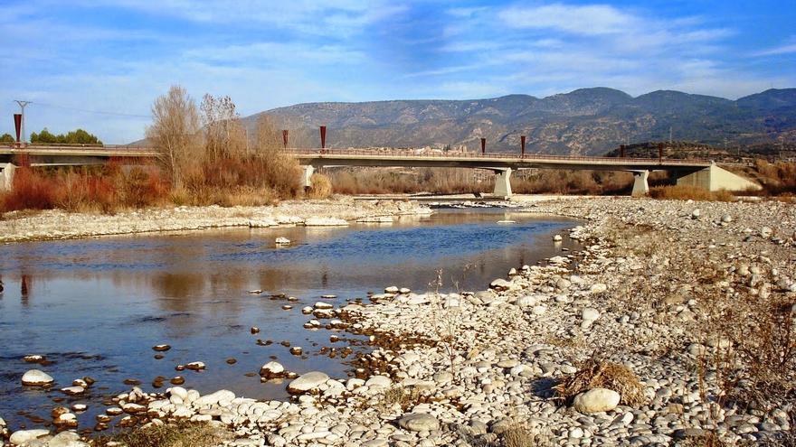 La extracción de áridos se produjo en las inmediaciones del puente de las Pilas.