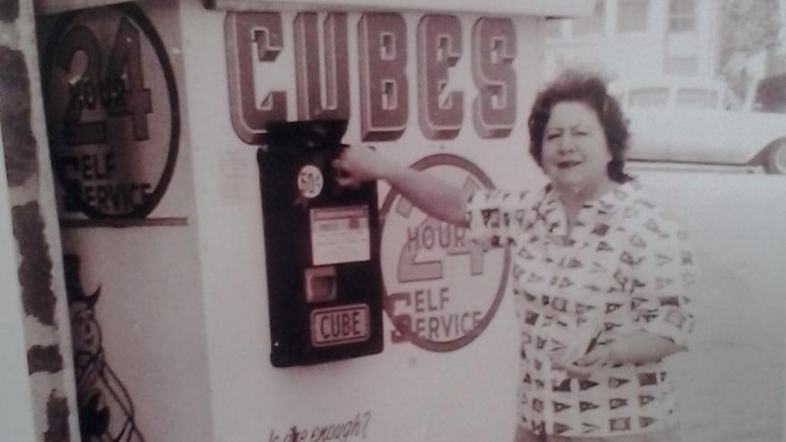 Gloria Fuertes, en una foto de su juventud.