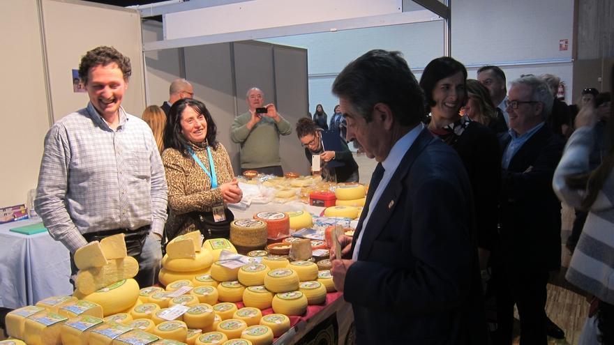 El Gobierno de Cantabria pretende incrementar en el Presupuesto de 2017 su apoyo al sector agroalimentario