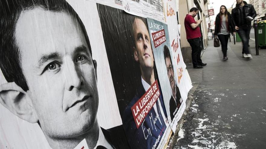Mélenchon se acerca a Macron en intención de voto