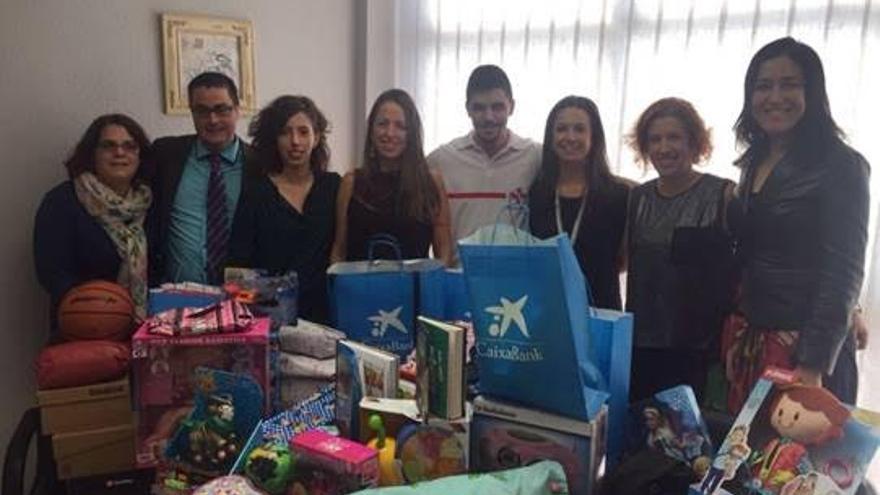 En la imagen, un momento de la recogida de juguetes realizada en La Palma con la colaboración de particulares y empresas.