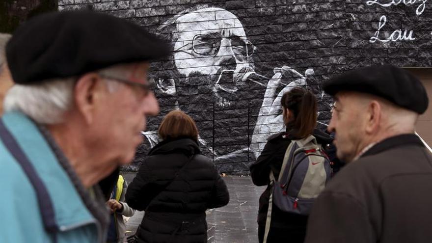 Un mural recuerda al cantante Imanol al cumplirse 70 años de su nacimiento