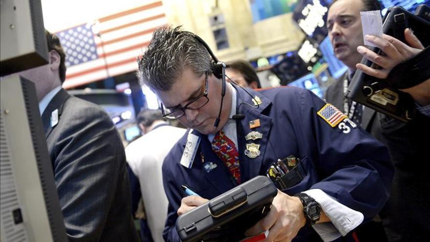 Wall Street cambia a leves subidas tras la apertura pese al empuje de Cisco