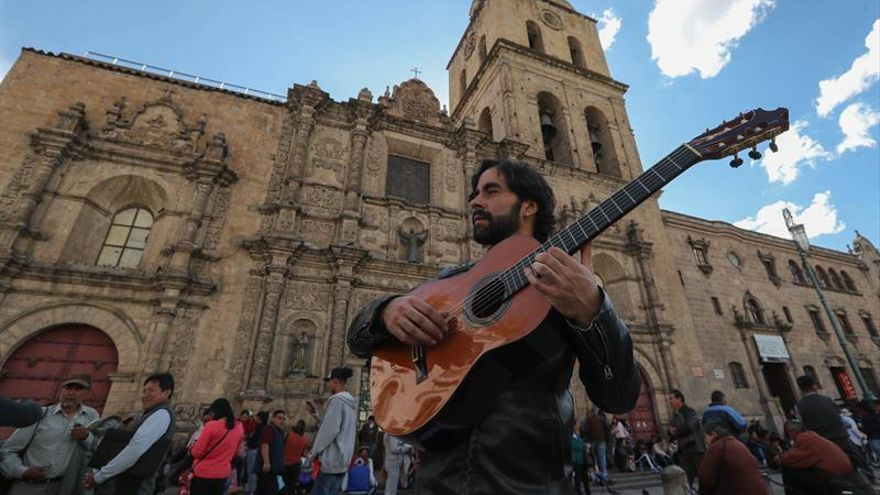 El español Daniel Casares trae a Bolivia el Concierto de Aranjuez con aire flamenco