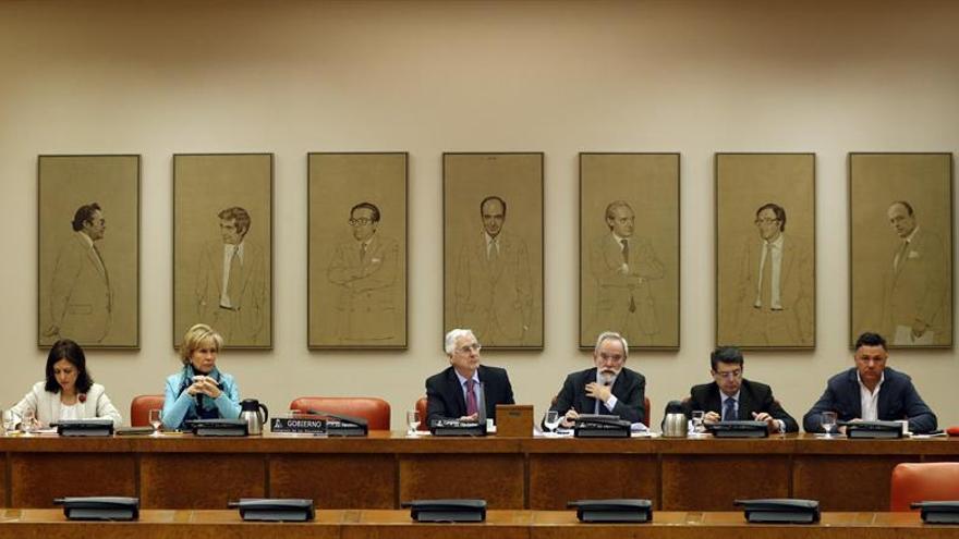 La silla de Pedro Morenés vacía en la sesión en la que estaba prevista su comparecencia