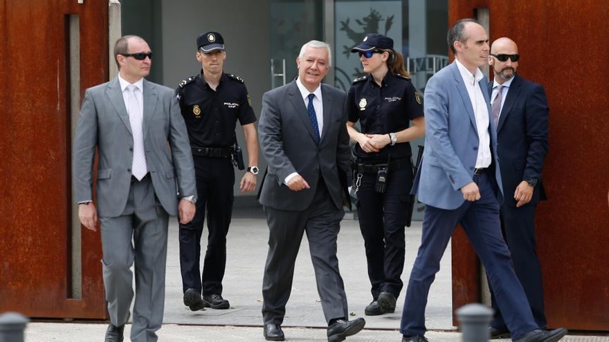 Javier Arenas abandona la Audiencia Nacional tras declarar como testigo en el juicio de Gürtel.