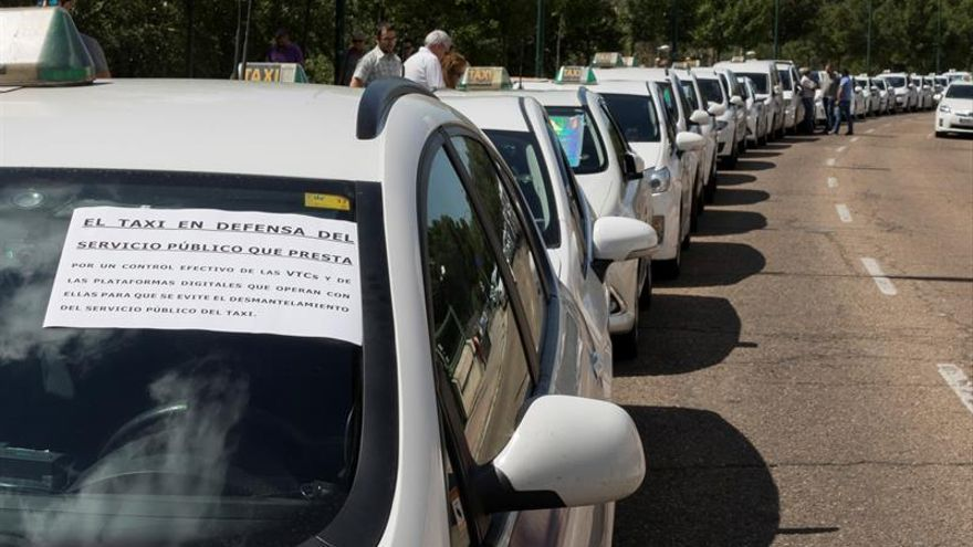 Los taxistas convocan para el 29 de noviembre una gran manifestación en Madrid