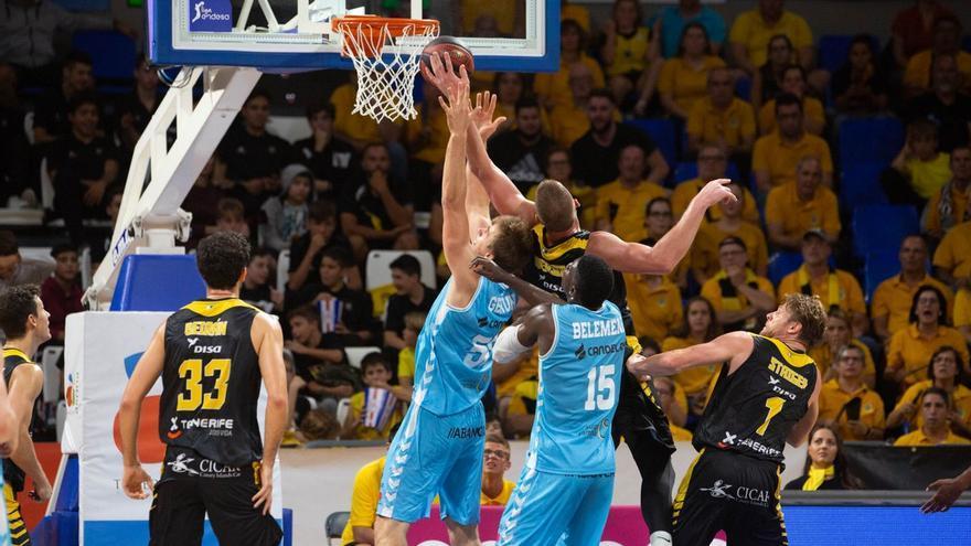 El Canarias vuelve a la ACB tras ceder en la final de la Liga de Campeones