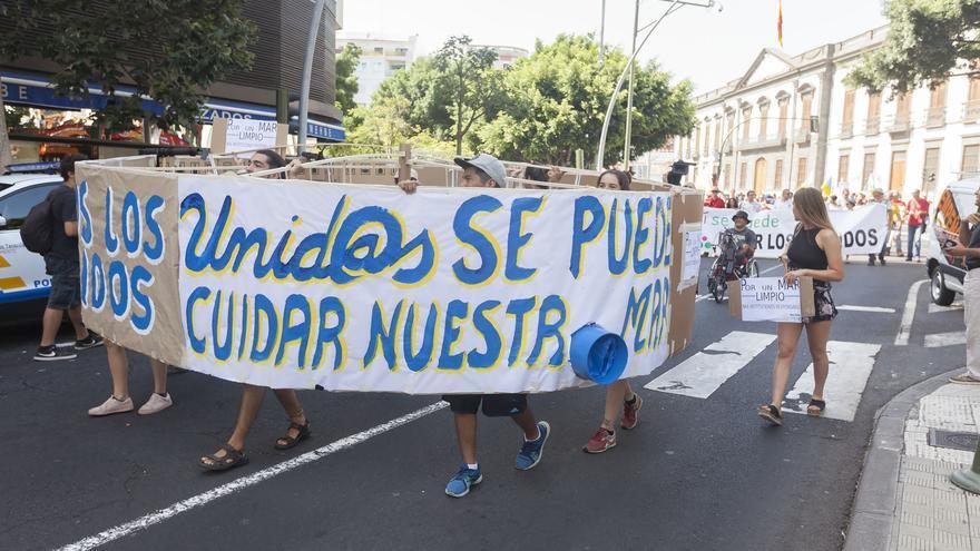 Eslogan de Unidos Se Puede en la cita contra la contaminación marina