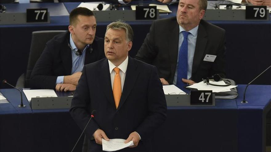 Víktor Orbán defiende ante el Parlamento Europeo reabrir el debate de la pena de muerte