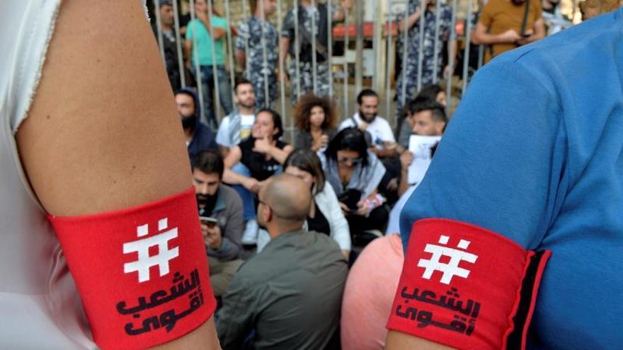 Los estudiantes toman las riendas de las protestas en el Líbano