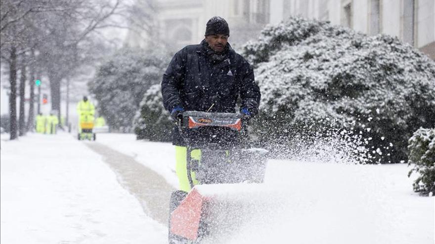 Fuertes tormentas dejan 6 muertos en el sur de EE.UU. en el inicio del período navideño