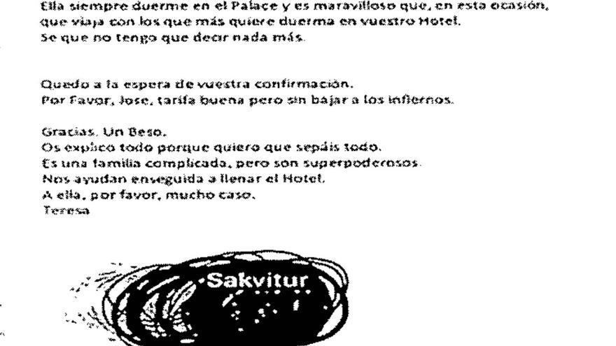 Correo electrónico de una trabajadora de Sakvitur explicando al hotel las características del matrimonio Blasco-Císcar
