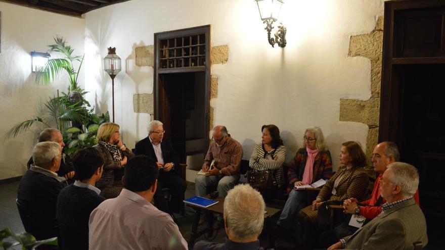 Renunión de la Unión de Hermandades, Cofradías y Patronazgos de Gran Canaria (IAGO OTERO PAZ)